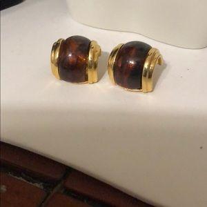 Jewelry - Brown clip on earrings